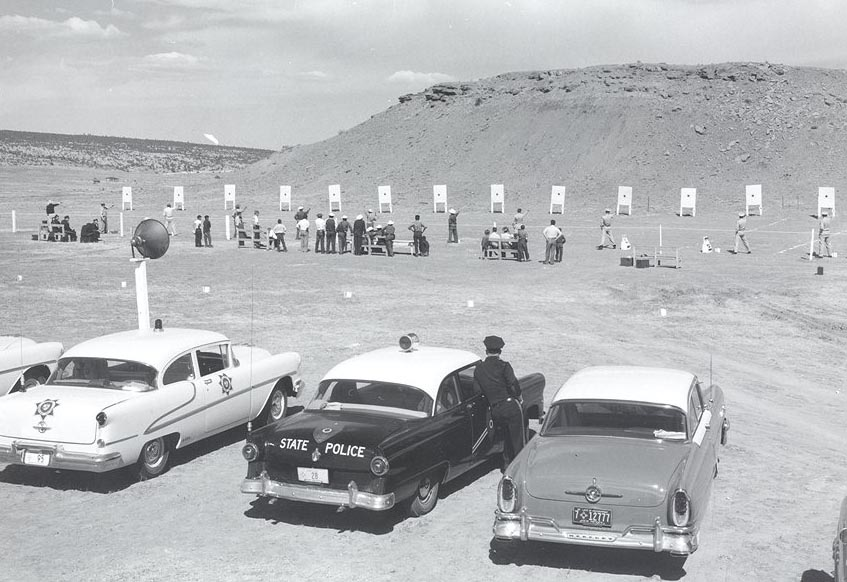 Arizona police officers with cars picture