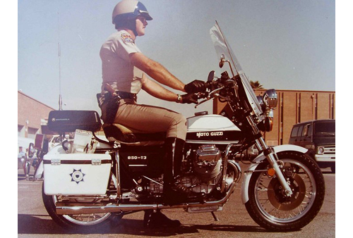 Arizona police officer on motorcycle picture