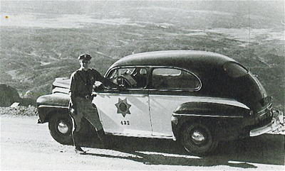Colorado police car and officer image